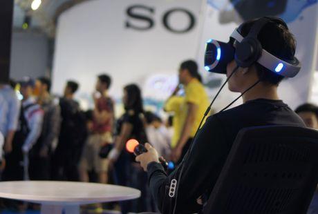 Playstation VR, Xperia ZX hut khach tai Sony Show Ha Noi - Anh 1