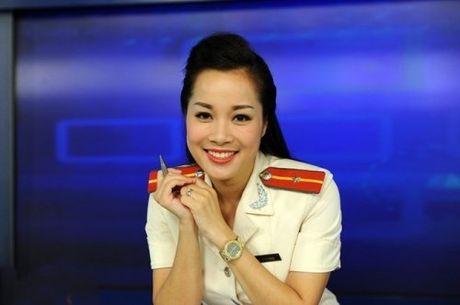 Kho tin dien vien Minh Huong van con nghe giau kin nay - Anh 2