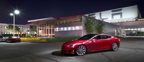 So lieu moi cho thay Tesla dang de bep ca Mercedes, BMW, Audi... tai phan khuc xe hang sang - Anh 1