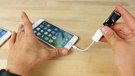Thu nghiem voi USB sat thu: iPhone 7 Plus va Samsung Galaxy Note7 – cai nao se no truoc? - Anh 6