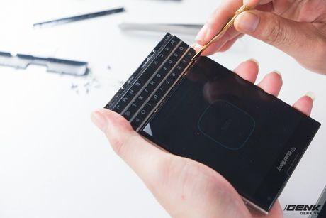 """Tan mat nhin qua trinh """"ho bien"""" BlackBerry Passport Phap thanh Quoc te - Anh 17"""