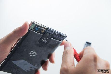 """Tan mat nhin qua trinh """"ho bien"""" BlackBerry Passport Phap thanh Quoc te - Anh 4"""