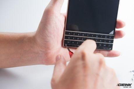 """Tan mat nhin qua trinh """"ho bien"""" BlackBerry Passport Phap thanh Quoc te - Anh 7"""