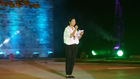 Nghe si hang dau lang dien anh lam 'nguoi mau' Festival ao dai Ha Noi - Anh 14