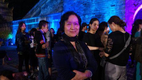 Nghe si hang dau lang dien anh lam 'nguoi mau' Festival ao dai Ha Noi - Anh 2
