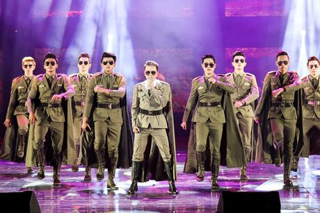 Nghe si noi gi truoc 'Diamond Show' cua Mr Dam tai Ha Noi - Anh 4