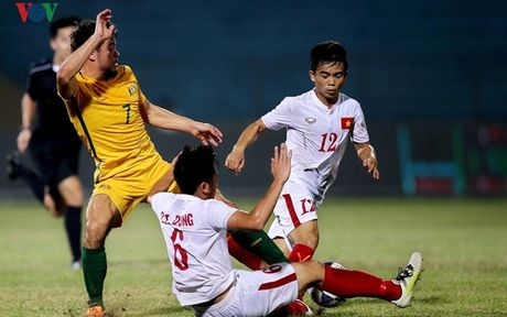 U19 Viet Nam – U19 Trieu Tien: Gian nan boi ra bien lon - Anh 1