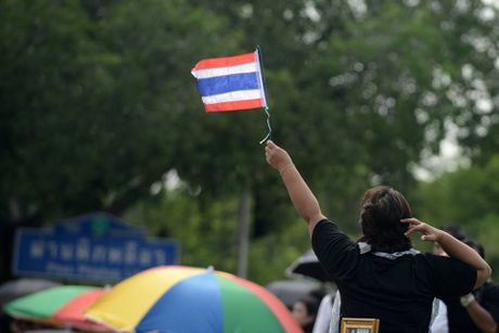 Hang van nguoi dan Thai Lan du le ruoc linh cuu Nha Vua - Anh 11