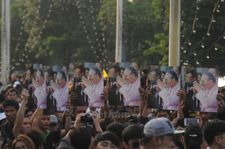 Nhung hinh anh kho quen tai le don linh cuu Nha Vua Thai Lan - Anh 8