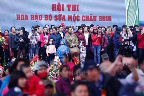 Tung bung cuoc thi Hoa hau bo sua Moc Chau 2016 - Anh 5