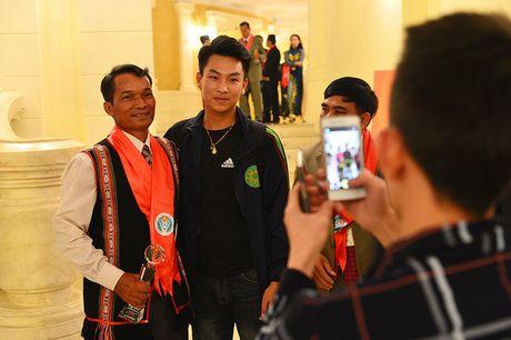 Toan canh le ton vinh Tu hao Nong dan Viet Nam 2016 - Anh 14