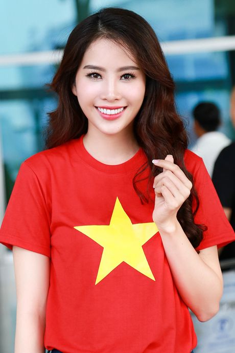 Hanh trinh len doi hang hieu dat do cua Hoa khoi Nam Em - Anh 1