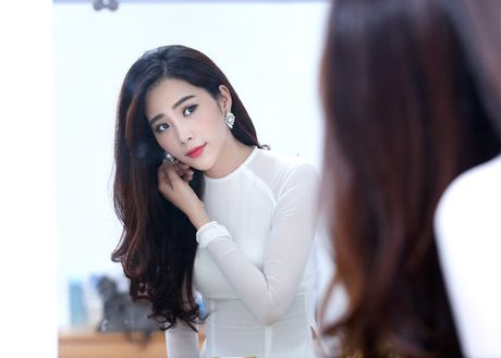 Hanh trinh len doi hang hieu dat do cua Hoa khoi Nam Em - Anh 3