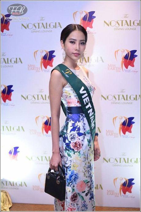 """Lien tiep duoc khen, lieu Nam Em co """"lam nen chuyen"""" tai Hoa hau Trai dat 2016? - Anh 1"""