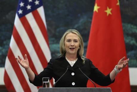 Lo thu ba Clinton tuyen bo My se 'bao vay Trung Quoc bang ten lua' - Anh 1