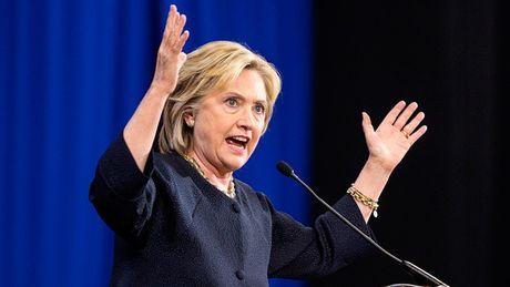 Lo thu ba Clinton tuyen bo My se 'bao vay Trung Quoc bang ten lua' - Anh 2