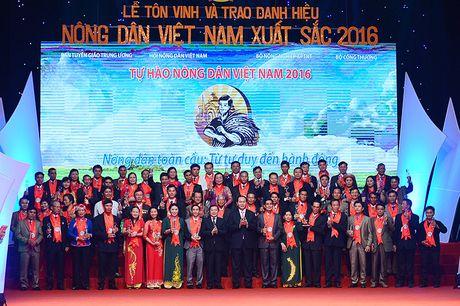 Vinh danh 63 nong dan Viet Nam xuat sac nam 2016 - Anh 2