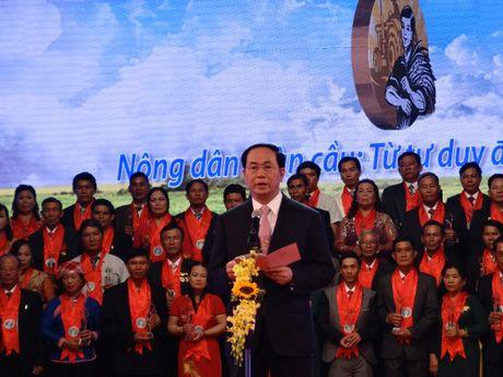 Chu tich nuoc trao danh hieu Nong dan Viet Nam xuat sac nam 2016 - Anh 3
