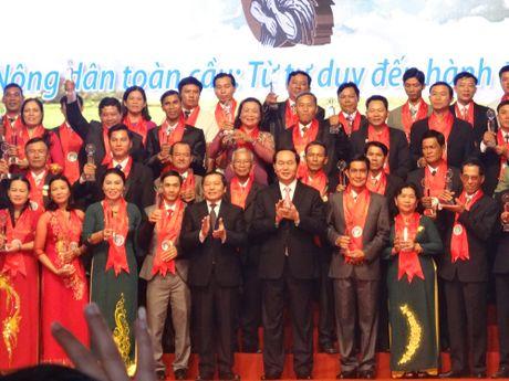 Chu tich nuoc trao danh hieu Nong dan Viet Nam xuat sac nam 2016 - Anh 6