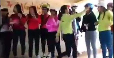 Clip nu sinh danh nhau o Dak Lak: Do mau thuan ve tinh cam? - Anh 1