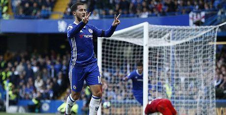 Xe toang luoi nha vo dich, Costa va Hazard 'giai cuu' Conte - Anh 1