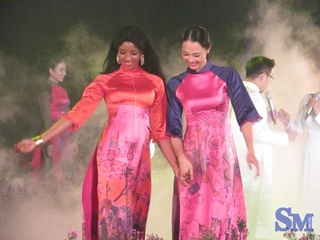 32 NTK hoi thu trong khai mac Festival ao dai 2016 - Anh 1