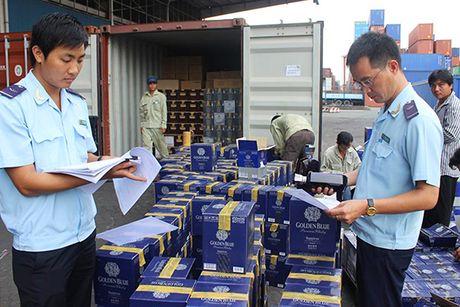 Su kien kinh te tuan: Ha Noi neu ten 145 doanh nghiep no thue, phi - Anh 4