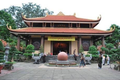 Mot nguoi dan ong tu thieu tai Thien vien Truc Lam Yen Tu - Anh 1