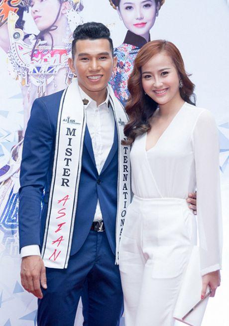 Khanh Ngan khong muon cu bi gan voi ten Pham Huong - Anh 2