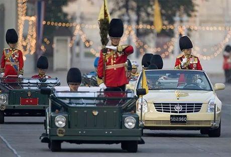 Nha vua Thai Lan luc sinh thoi hay su dung xe gi? - Anh 3