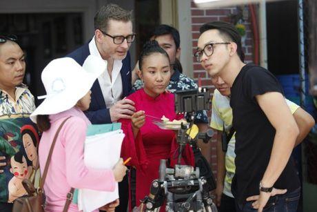 Chong Tay khong roi Doan Trang tren phim truong MV OST 'Sai Gon, anh yeu em' - Anh 4