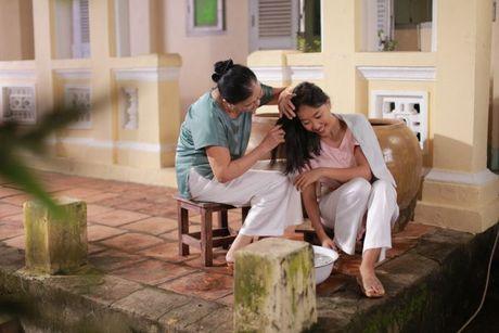 Chong Tay khong roi Doan Trang tren phim truong MV OST 'Sai Gon, anh yeu em' - Anh 5