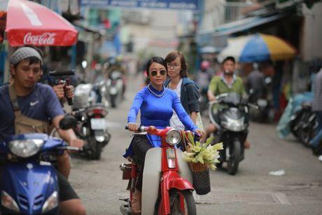 Chong Tay khong roi Doan Trang tren phim truong MV OST 'Sai Gon, anh yeu em' - Anh 6