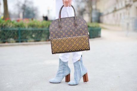 London, noi ban co the mua chiec tui xach Louis Vuitton voi gia re den bat ngo - Anh 3