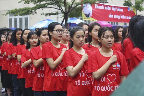 Hon 5000 sinh vien doi mua xep hinh tai chuong trinh 'Toi yeu to quoc toi' - Anh 4