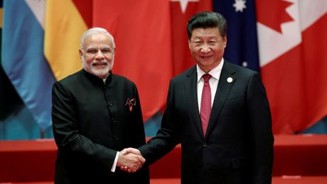 Cuoc chien truyen thong ben le Hoi nghi BRICS - Anh 3