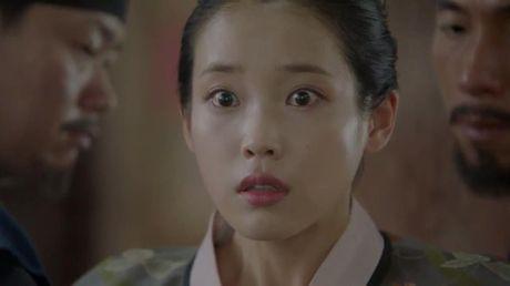 'Moon Lovers': Dien xuat cua IU ngay cang thuyet phuc duoc khan gia? - Anh 23