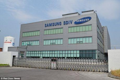 Tiet lo moi ve cat giam lao dong va Galaxy S8 tu nha may Samsung Bac Ninh - Anh 1