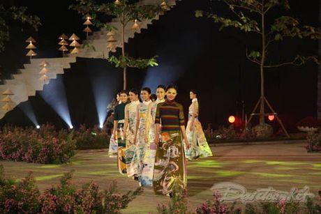 Nhung 'nguoi mau' dac biet tai Festival ao dai Ha Noi - Anh 11