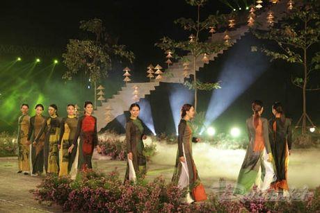 Nhung 'nguoi mau' dac biet tai Festival ao dai Ha Noi - Anh 12