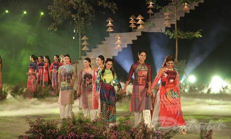 Nhung 'nguoi mau' dac biet tai Festival ao dai Ha Noi - Anh 14