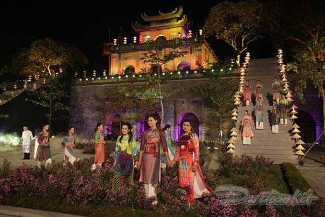 Nhung 'nguoi mau' dac biet tai Festival ao dai Ha Noi - Anh 15