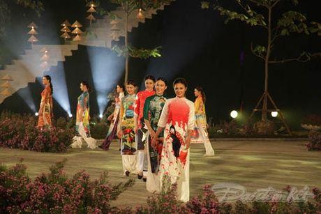 Nhung 'nguoi mau' dac biet tai Festival ao dai Ha Noi - Anh 16