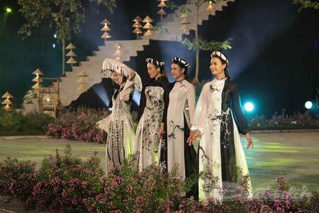 Nhung 'nguoi mau' dac biet tai Festival ao dai Ha Noi - Anh 20