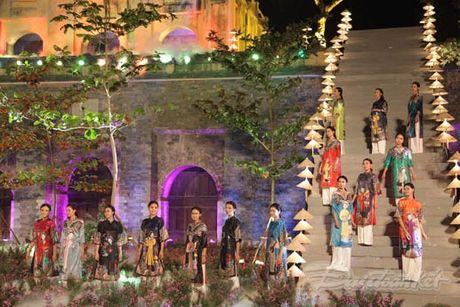 Nhung 'nguoi mau' dac biet tai Festival ao dai Ha Noi - Anh 22