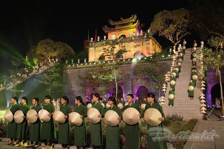 Nhung 'nguoi mau' dac biet tai Festival ao dai Ha Noi - Anh 24