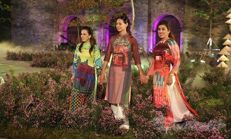 Nhung 'nguoi mau' dac biet tai Festival ao dai Ha Noi - Anh 3