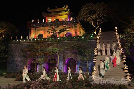 Nhung 'nguoi mau' dac biet tai Festival ao dai Ha Noi - Anh 7
