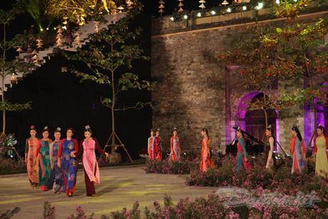 Nhung 'nguoi mau' dac biet tai Festival ao dai Ha Noi - Anh 9