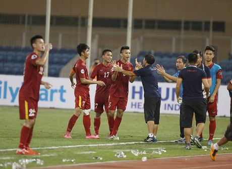 Chum anh U19 Viet Nam tao dia chan tai Bahrain - Anh 9